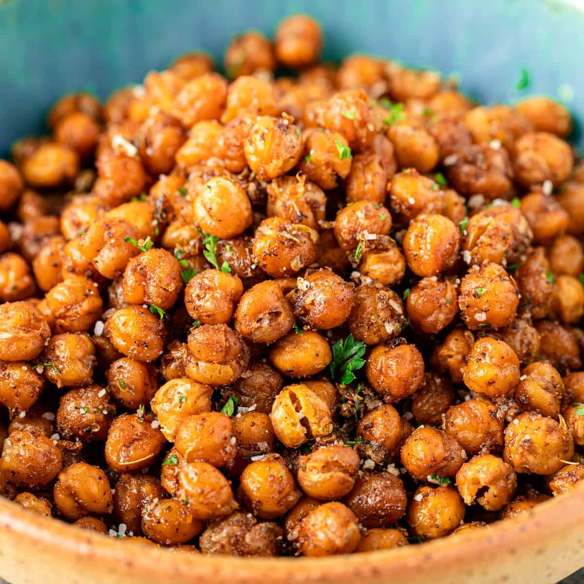 close up image of roasted chickpeas